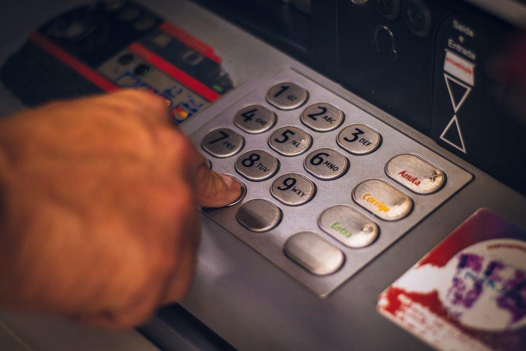 cajero-banco-no-digital